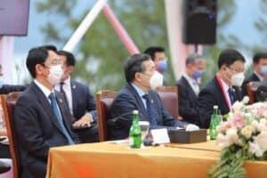Menko Luhut melaksanakan MoU dengan Menlu Cina di Sumatera Utara
