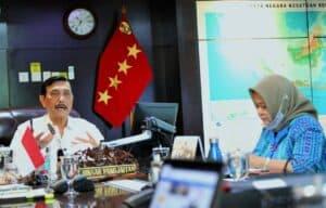 Menko Luhut Vidcon Rakor Pembahasan progress Food Estate di Kalimantan Tengah di Kantor Maritim