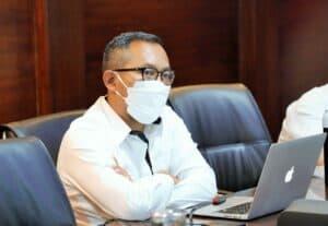 Menko Luhut Vidcon Rakor Monitoring dan Evaluasi PEN Padat Karya Restorasi Terumbu Karang (ICRG), di Kantor Marves