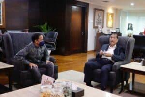 Menko Luhut Meeting dengan Mendikbud di Kantor Marves