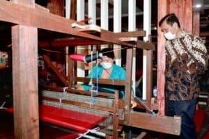 Menko Luhut: Pemerintah Segera Buka Pintu Masuk Wisman ke Bali, Kejar Target Vaksin 2 Juta Penduduk untuk Bentuk Herd Immunity