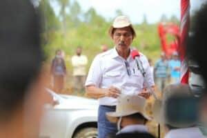 Menko Luhut melakukan kunjungan dan peninjauan lapangan sekaligus kick-off lokasi 785 Ha di Desa Hutanuju, Kecamatan Parmonangan, Kabupaten Tapanuli Utara, Sumatera Utara