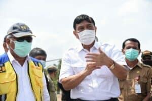 Menko Luhut melakukan kunjungan ke Taman Sains dan Teknologi Herbal dan Hortikultura (TSTH2) di Kecamatan Pollung, Kabupaten Humbang Hasundutan, Sumatera Utara