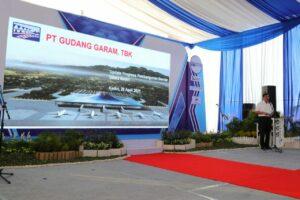 Menko Luhut di Bandara Dhoho Kediri