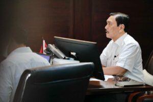 Menko Luhut Vidcon Rakor Pengembangan Wilayah dan Percepatan Pembangunan Infrastruktur di Provinsi Bali