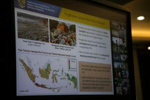 Menko Luhut Vidcon Rakor terkait Laporan Perkembangan Penanganan Sampah Laut 2018-2020