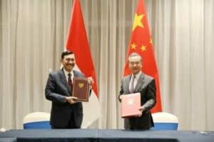 Menko Luhut Tanda Tangani MoU Tandai Babak Baru High Level Dialogue and Cooperation Mechanism Indonesia-RRT